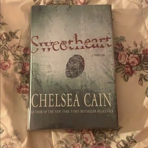 Book Sweetheart by Chelsea Cain